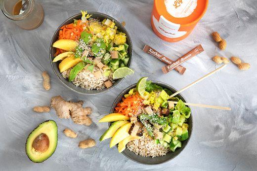 Vegane-Bowl-mit-Limetten-Erdnuss-Dressing-2